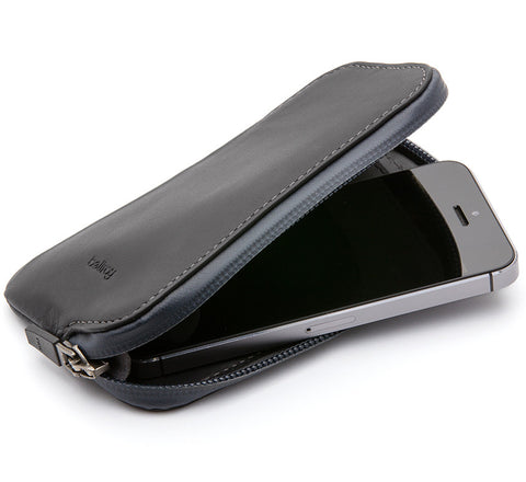 Picture of Bellroy Elements Phone Pocket water resistant phone case wallet for iPhone 5 / 5S in black