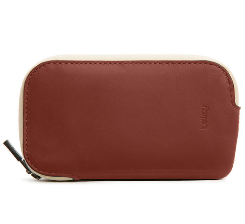Bellroy Elements Phone Pocket water resistant phone case wallet for iPhone 5 / 5S in cognac