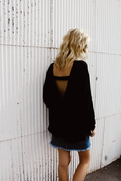 Triangle Open Back Sweater (Black)