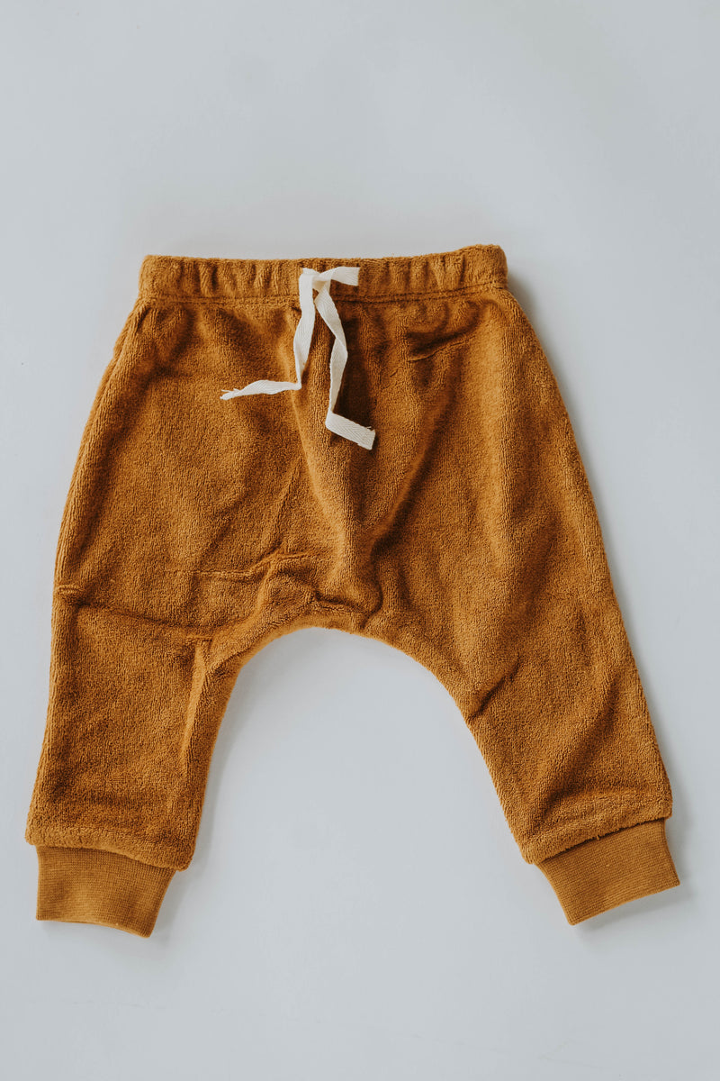 Quincy Mae: Terry Cloth Sweatpants (Ocre)