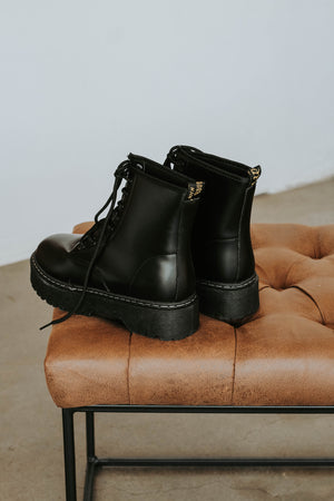 Preston Lace Up Boot (Black)