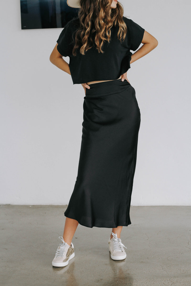 Call On Me Satin Skirt (Black)