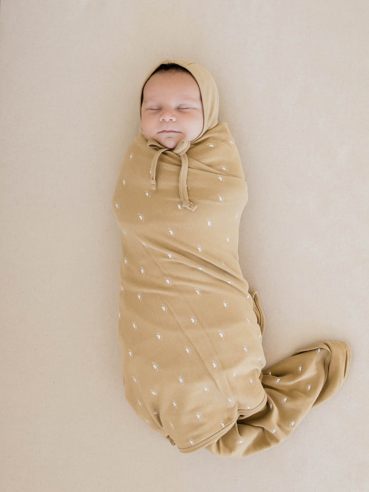 Quincy Mae: Swaddle Blanket (Honey)
