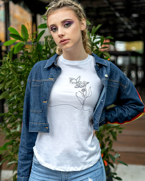 woman wearing third citizen line art tee