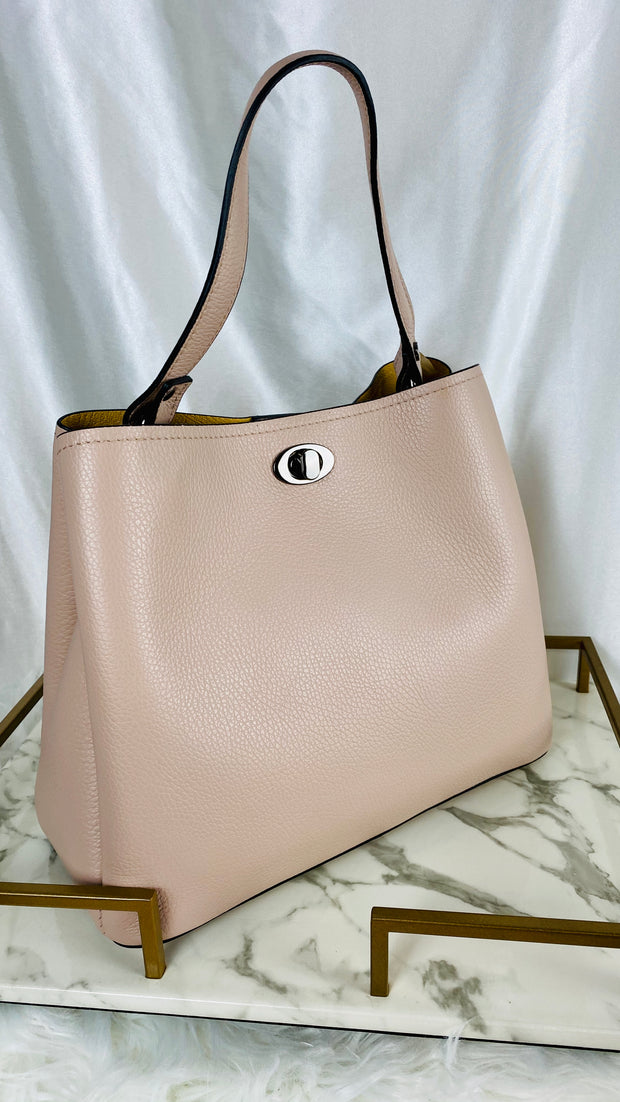 Leather Bucket Style Bag in Pink
