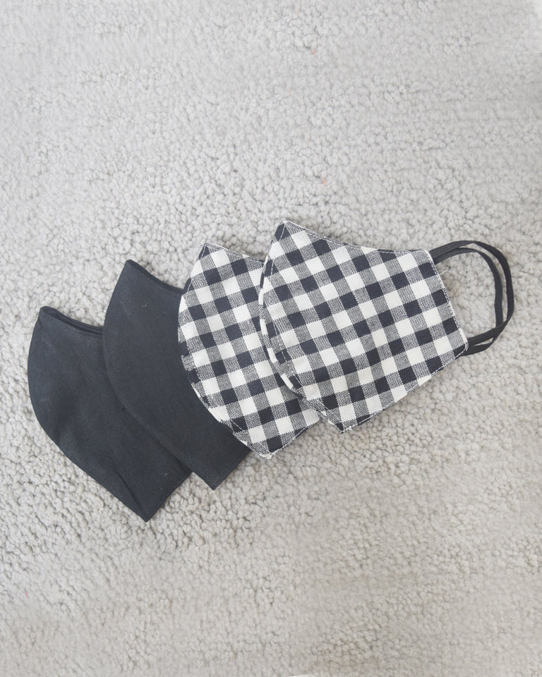 Load image into Gallery viewer, Gingham and Black Cotton Covers - Set of 4
