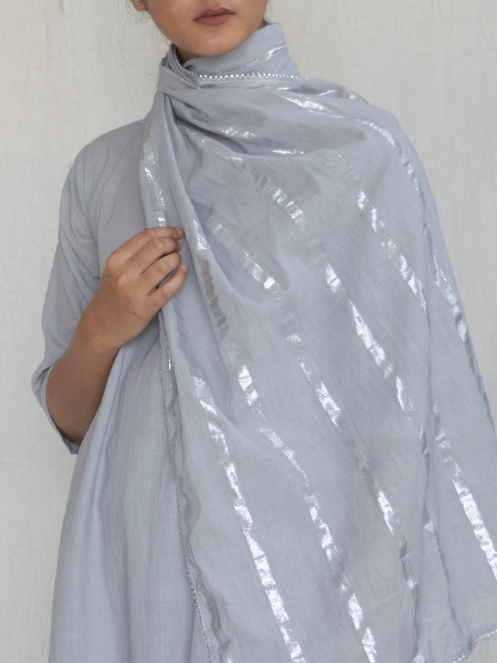 Load image into Gallery viewer, Grey Cotton Zari Stole
