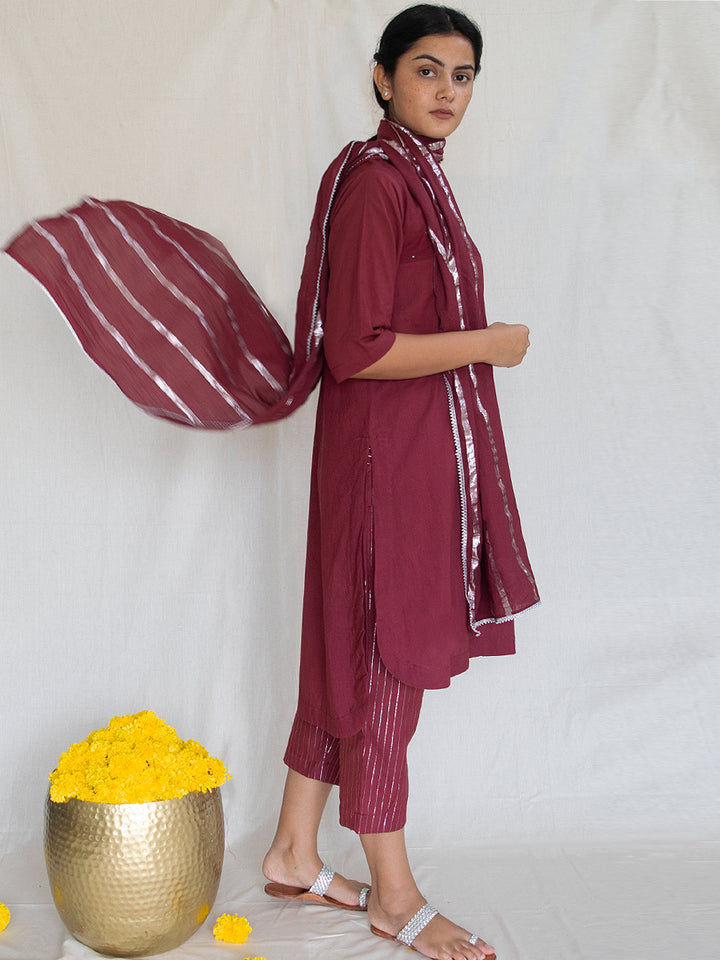 Load image into Gallery viewer, Burgundy Tunic with Mukaish Handwork