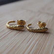 Load image into Gallery viewer, Bell Snake Studs - Jomami