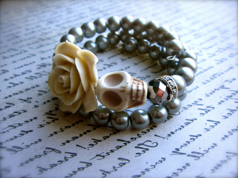 Vanilla Rose & Silver Sugar Skull Bracelet - Double Wrapped Memory Wire