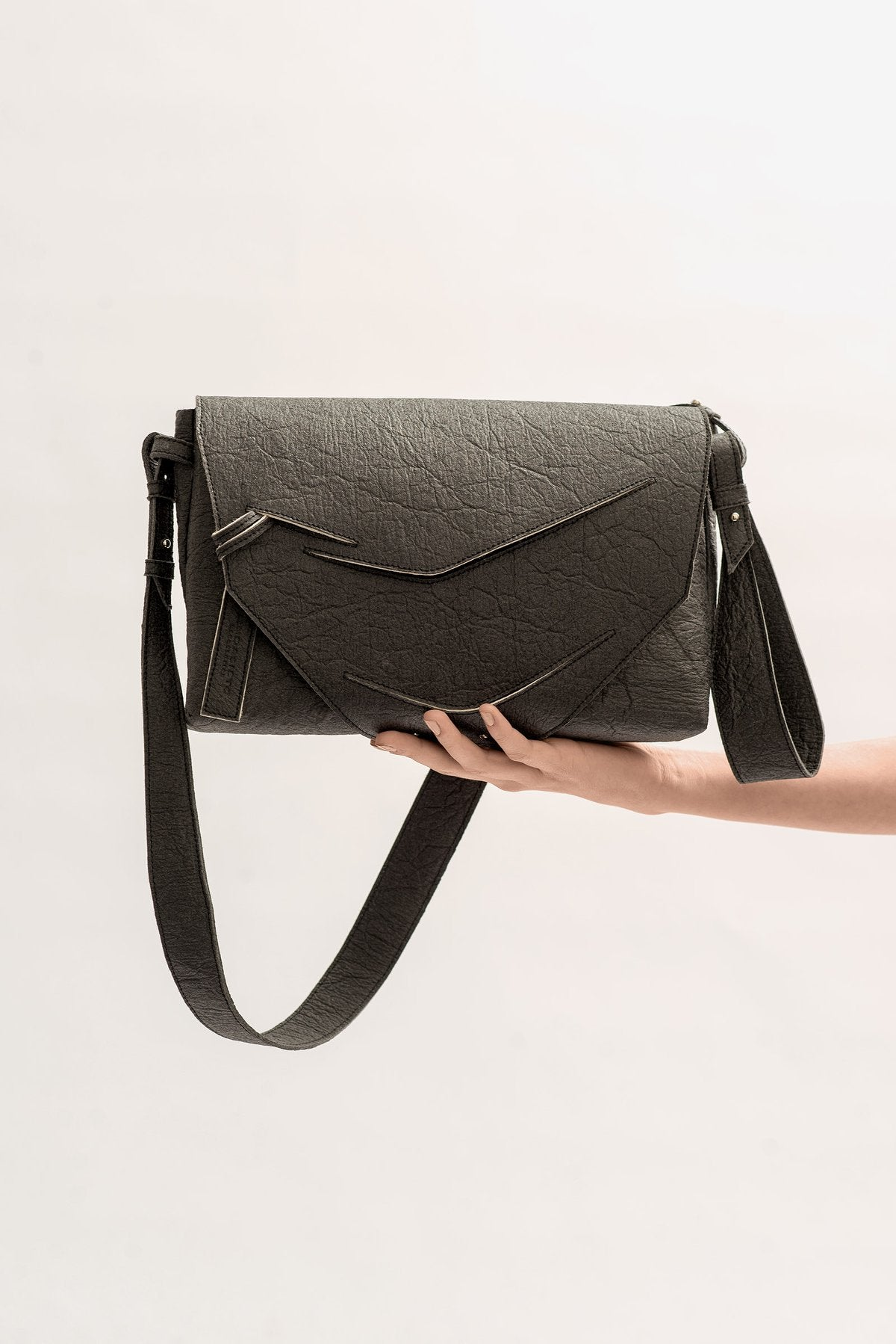 Boomerang Hybrid Bag - Alternative Charcoal