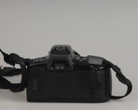 Minolta Maxxum 400si 35mm film SLR camera featuring a 28-80mm lens; back view
