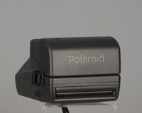 Polaroid OneStep Close-up 600 instant camera (serial E7J7VXFPVDDA)
