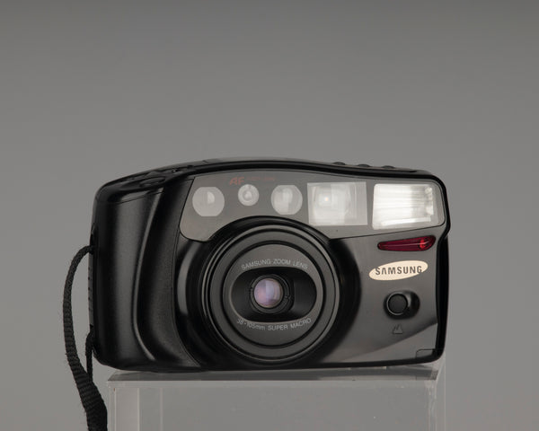 The Samsung AF Zoom 1050 is an advanced 35mm point-and-shoot camera from the 1990s with a 38-105mm zoom lens