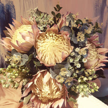 Load image into Gallery viewer, Giant King Protea Australian Native Bouquet