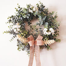 Load image into Gallery viewer, Pretty Gum and apple blossom wreath