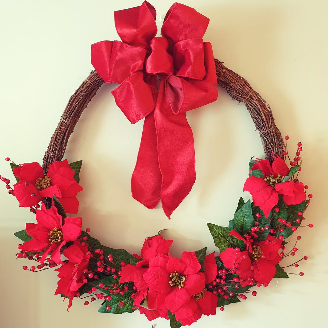 LARGE 80cm Classic Christmas Poinsettia and Vine Wreath - FREE DELIVERY