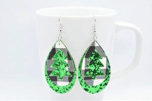 FAUX LEATHER EARRINGS - WHITE BUFFALO CHECK CHRISTMAS TREE AND GREEN GLITTER - Handmade Creations by Liz