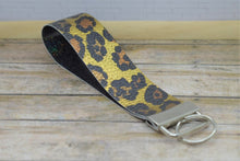 Load image into Gallery viewer, GOLD LEOPARD PRINT WRISTLET -  KEYCHAIN