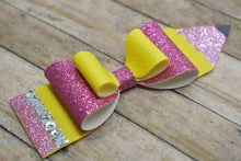Load image into Gallery viewer, GLITTER PENCIL - FAUX LEATHER BOW