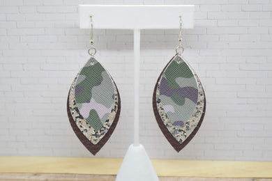 CAMO, SILVER GLITTER AND BROWN FAUX LEATHER EARRINGS - LEAF