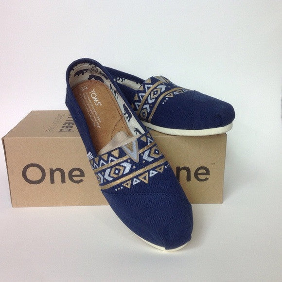 HAND-PAINTED GEOMETRIC AZTEC DESIGN TOMS SHOES