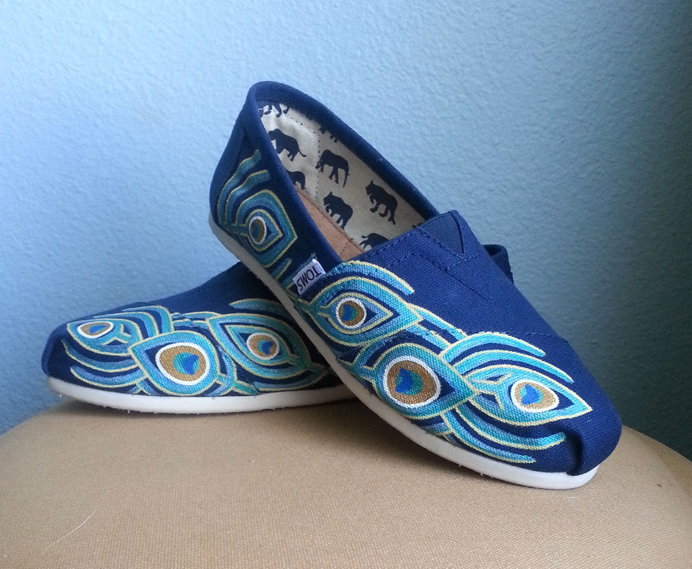 INDIAN PEACOCK FEATHERS HANDPAINTED CANVAS TOMS SHOES BY ANNA SEE