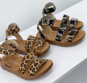 The Aria Sandal(Big Kids)