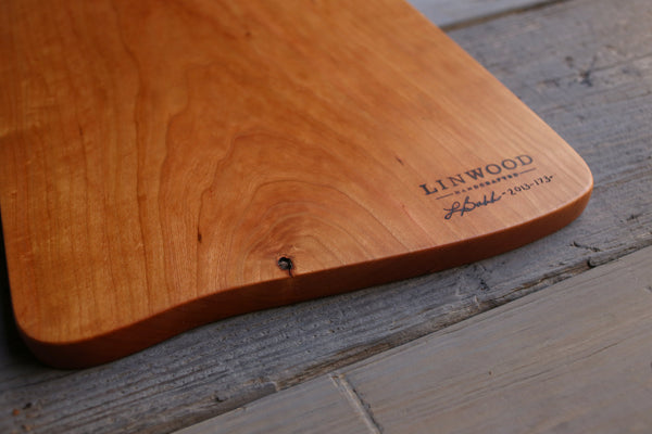 173. Handmade wood wooden cutting board for the kitchen and handcrafted gifts.