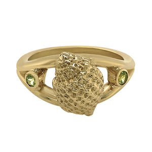 "08 August ""Birthshell"" 14K Yellow Gold Ring: The Nutmeg Shell with Peridots"