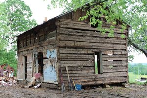 25'x18' Oak & Chestnut Log Cabin (Late 1800s)