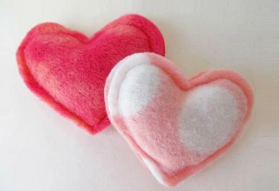Hissy Hearts Cat Toy