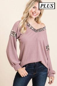 Plus- Waffle knit top with leopard contrast