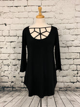 Load image into Gallery viewer, Zenana three-quarter sleeve black top with detailed front
