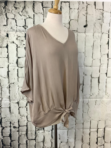 Umgee Plus V-neck Top (Latte)