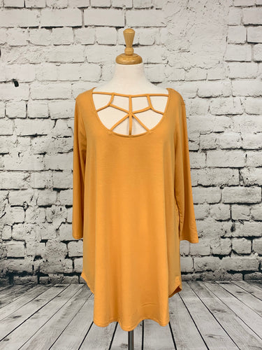 Zenana 3/4 Sleeve Plus Top with detailed front