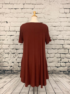 Zenana Plus size short sleeve tunic with pockets brick red
