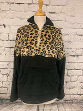 Load image into Gallery viewer, C+D+M Leopard Sherpa