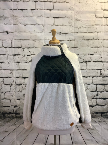 Simply Southern Quilt Front Sherpa (White and Grey)