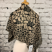 Load image into Gallery viewer, Cheetah Print Scarf