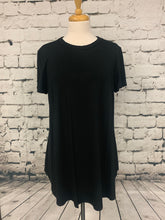 Load image into Gallery viewer, Plus Size Loose Fit Short Sleeve Top Black