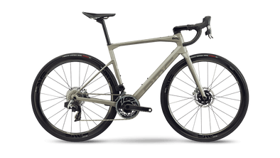 Bicicleta Roadmachine 01 THREE, 2021