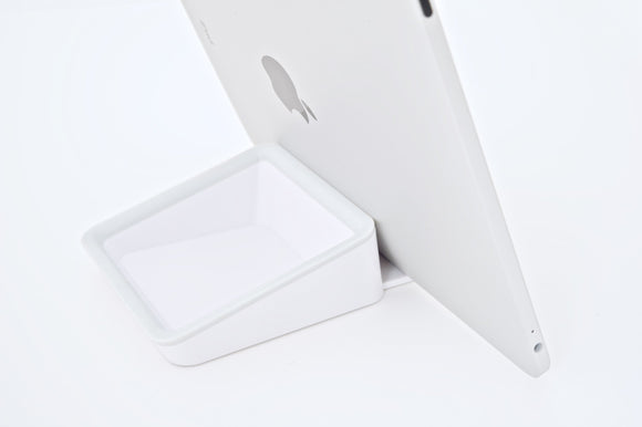 Bluelounge Design Nest Organizing Stand for iPad/iPad 2 and Other Tablets (NS-WH)
