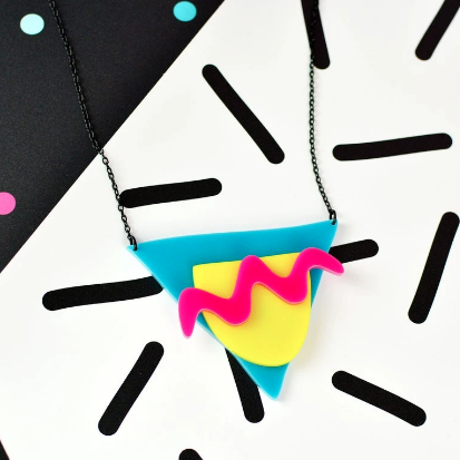 Geo 80s shape necklace
