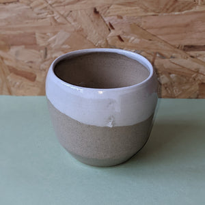 Side swoop ceramic beaker