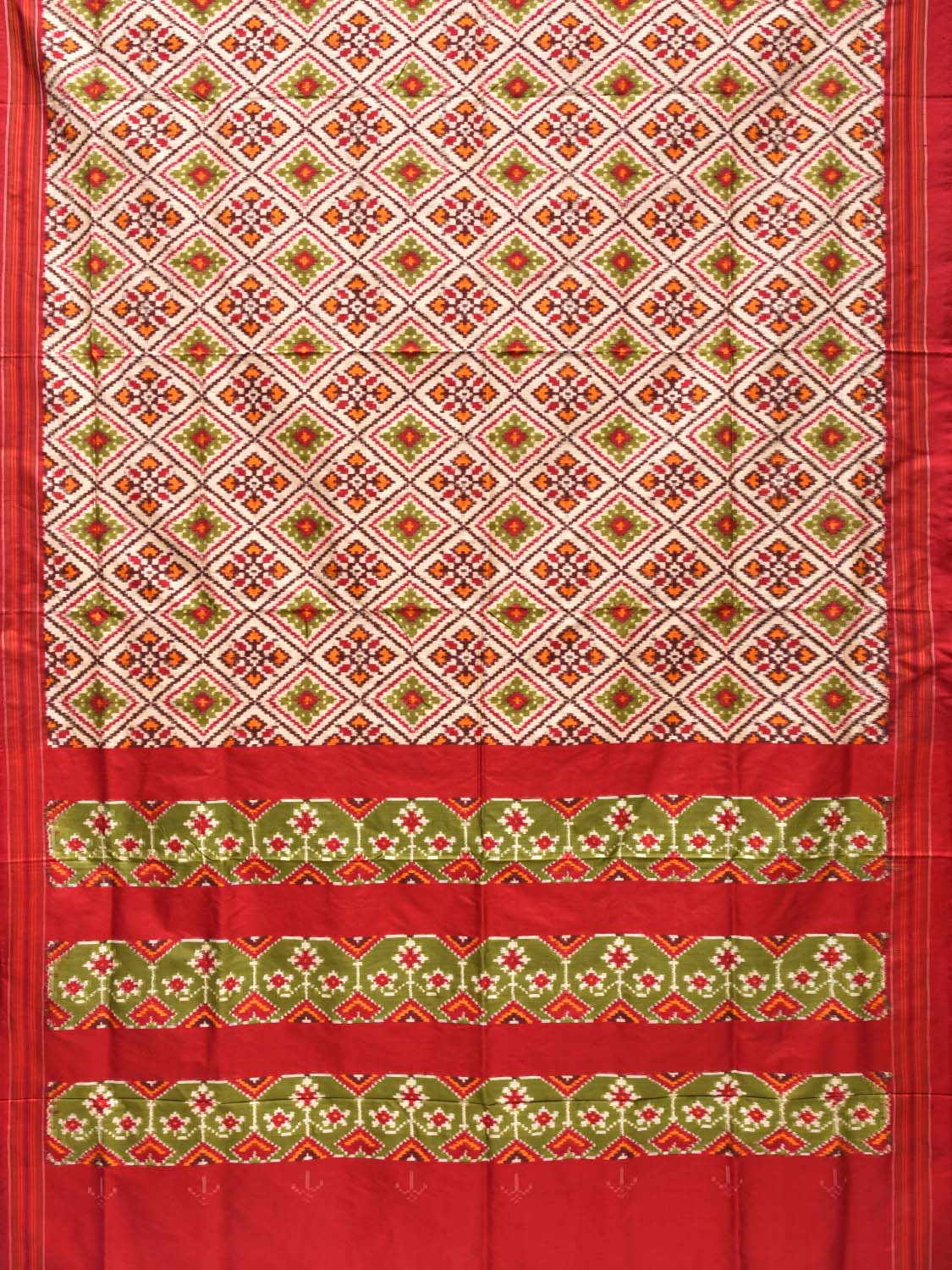 Cream and Red Pochampally Double Ikat Silk Handloom Saree with All Over Design i0551
