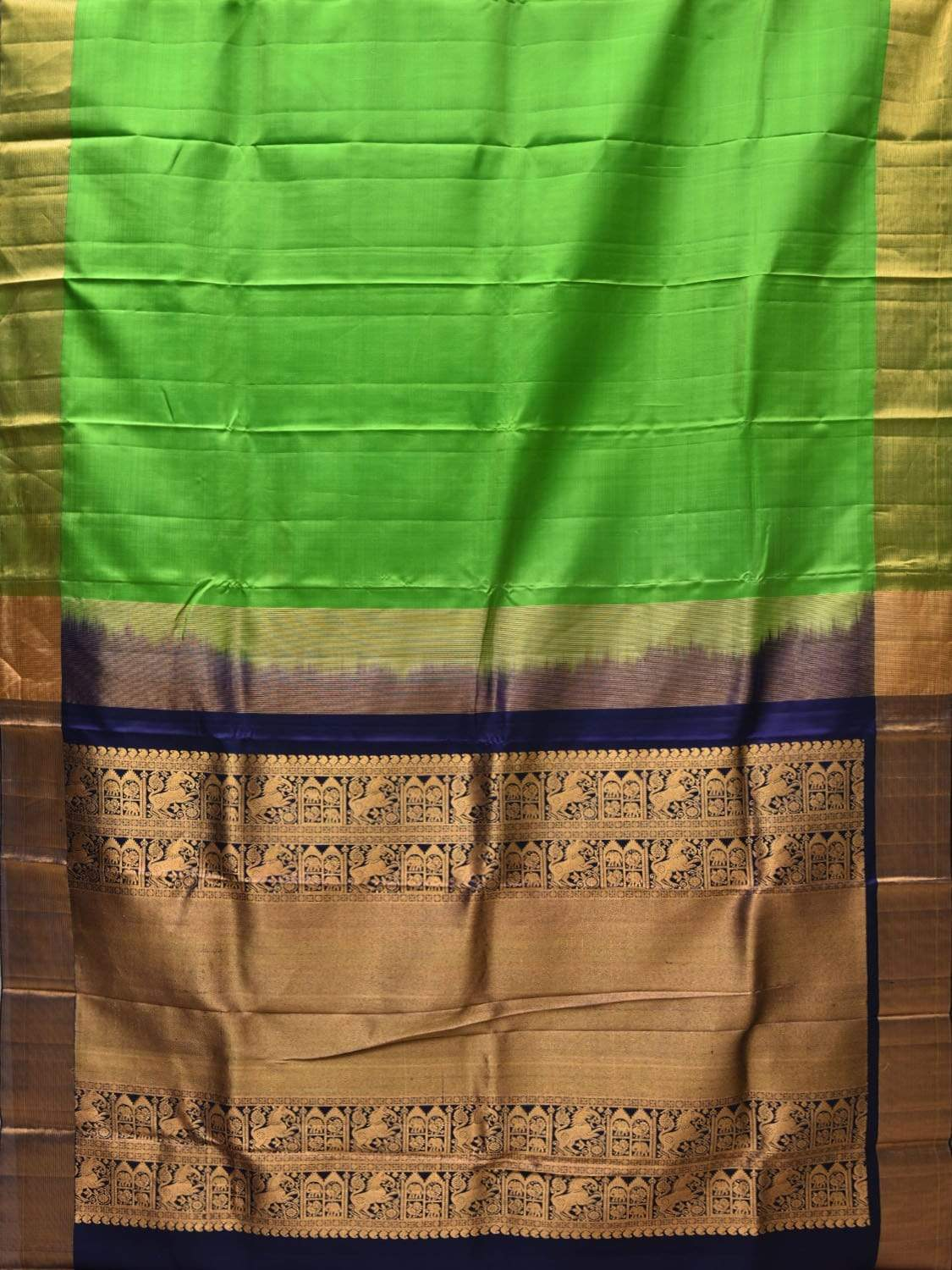 Green Gadwal Silk Handloom Plain Saree with Pallu Design G0252
