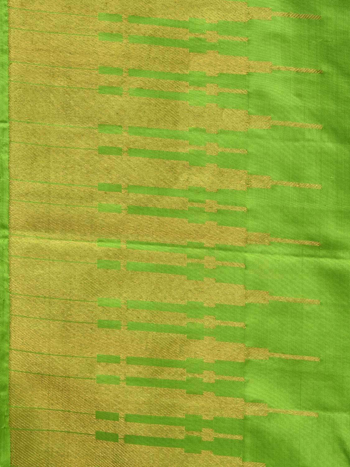 Green Kanchipuram Silk Handloom Saree with Border Temple Design k0498