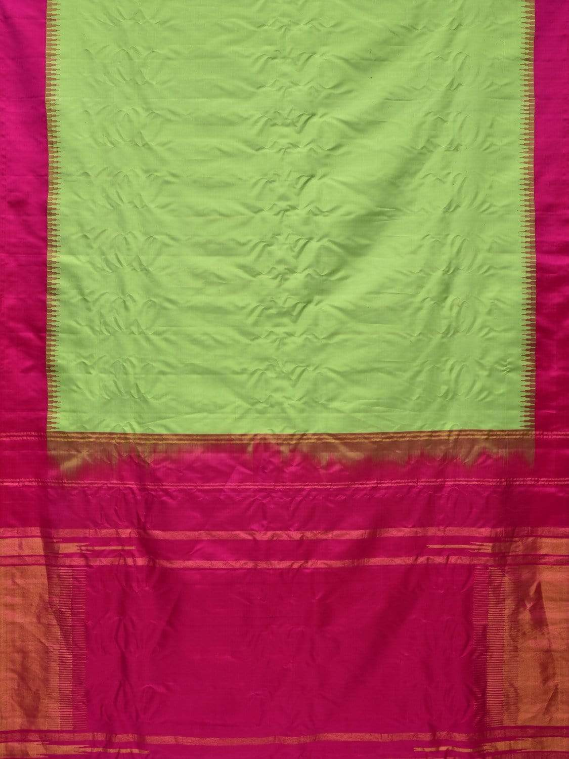 Light Green and Pink Gadwal Silk Handloom Plain Saree with Temple Border Design g0251
