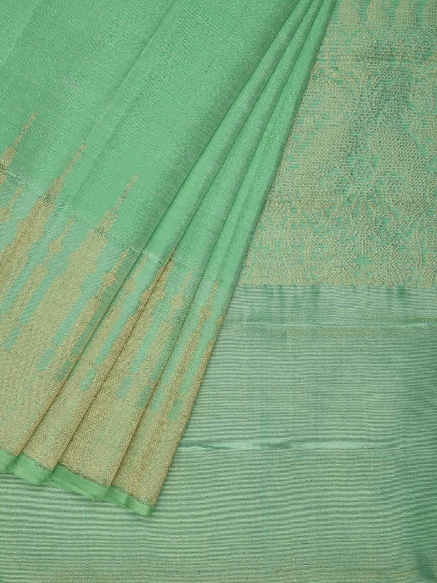 Light Green Kanchipuram Silk Handloom Saree with Border Temple Design K0372